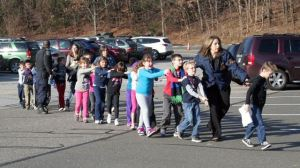 ht_newton_bee_school_shooting_nt_121214_wmain
