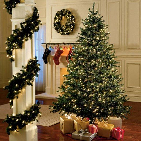 lights-sounds-christmas-indoors-1