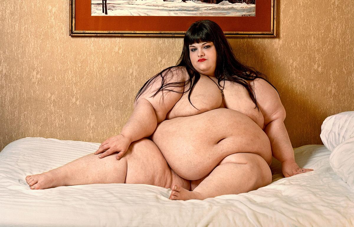 Голе толсти женшина фото