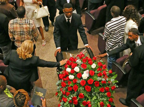 051013_kelly_funeral_CC271